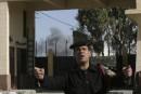 Des Palestiniens forcent la frontière égyptienne