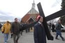 Des centaines de pèlerins effectuent la Marche du pardon