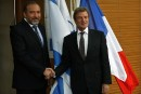 Colonies: Kouchner regrette la décision d'Israël