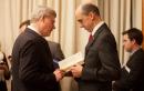 Steven Blaney lui remet un livre en lien avec les... | 29 janvier 2013