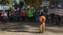 Un garçon observe les cérémonies marquant le 65e anniversaire de... | 31 janvier 2013