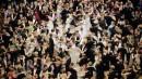 Plusieurs danseurs s'exécutent lors de l'ouverture du traditionnel Opera Ball... | 8 février 2013
