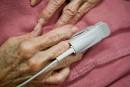 Projet de loi sur les soins de fin de vie: Hivon vise 2015