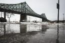 Harper veut discuter du transfert des ponts fédéraux à Québec