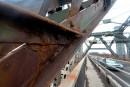 La peinture récente du pont de Québec ne tient pas le coup
