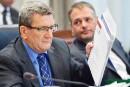 Taxes à Saint-Augustin: Jonatan Julien accuse Corriveau de «frôler la démagogie»