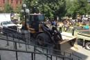 Les employés municipaux manifestent aux quatre coins de la ville