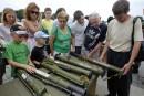 L'Ukraine expose les armes prises aux séparatistes pour accuser la Russie