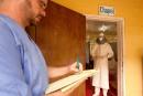 L'Ebola infecte deux professionnels américains et tue un médecin libérien