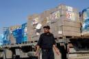 Aides et produits de consommation entrent à Gaza