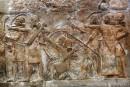 L'EI rase des sites historiques et revend des antiquités