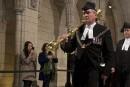 Le sergent d'armes Vickers a droit à une longue ovation aux Communes
