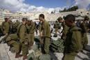 Un chauffeur palestinien fonce sur des soldats israéliens