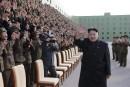 Corée du Nord: la télé montre Kim Jong-Un sans canne mais boitant