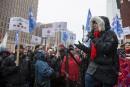 Coupes à Radio-Canada: Couillard inquiet pour l'avenir de l'information régionale