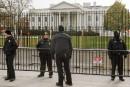 Une auto bourrée d'armes près de la Maison-Blanche