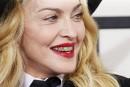 À 56 ans, Madonna redevient l'égérie de Versace