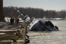 Le carburant s'échappe toujours d'un bateau qui a coulé à Trois-Rivières