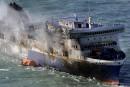 Le traversier <em>Norman Atlantic</em> remorqué vers l'Italie