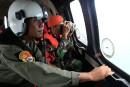 Catastrophe d'AirAsia:deux «grandes parties» de l'avion retrouvées