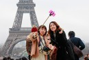 Paris: des touristes anxieux mais solidaires