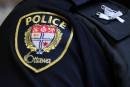 Les stations de police d'Ottawa bouclées, puis rouvertes