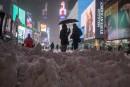Le blizzard réduit New York au silence et au vide
