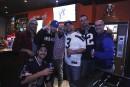 Plaisir et retrouvailles animent la soirée du Super Bowl au Pile ou Face
