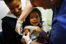 Vif débat autour de l'innocuité du vaccin contre la rougeole