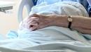 L'aide d'un médecin pour mourir sera décriminalisée au Canada