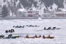 L'équipe Bota Bota - La relèveremporte la course de canot à glace