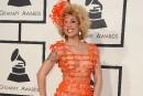 Élégance et excentricités sur le tapis rouge des 57es Prix Grammy