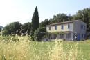 Trois générations à la rencontre d'un rêve commun: la Provence. Au fil des randonnées, entre platanes et calanques, sont nés des souvenirs mémorables.