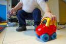 Compressions dans les garderies:Charbonneau vise les frais d'administration