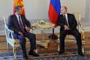 Poutine, invisible depuis 10 jours, fait son retour public