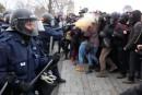 Contrôle de foule durant les manifestations: «Des leçons à tirer», dit Couillard