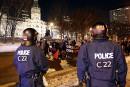 Les policiers «tendent la main» aux manifestants