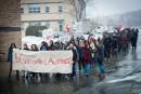 Une marche étudiante dans les rues de la ville