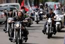Des motards russes pro-Poutine troublent la Pologne