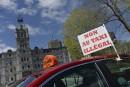 Des chauffeurs de taxi manifestent contre UberX