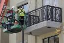 Balcon trop petit? Vermoulu? Spéculations sur l'accident de Berkeley