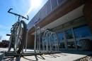 Les centres commerciaux de Québec peu accueillants pour les vélos