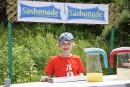 Sasha fait de la limonade pour la Grande journée des... | 29 juin 2015