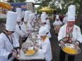 L'omelette géante préparée lors des festivités de la Saint-Jean-Baptiste à... | 29 juin 2015