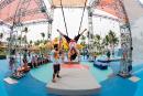 Club Med: Haut les mains... sur un trapèze!