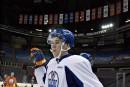 Connor McDavid signe son premier contrat avec les Oilers