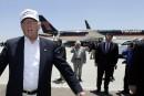 «J'aime les latinos», dit Donald Trump à la frontière mexicaine