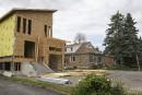 La construction peut se poursuivre au 42 Cochrane