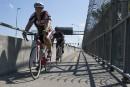 Une piste cyclable aux airsde course d'obstacles