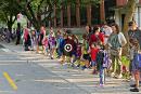 Chaînes humaines devant les écoles: le ministre Blais dénonce «l'utilisation» des enfants